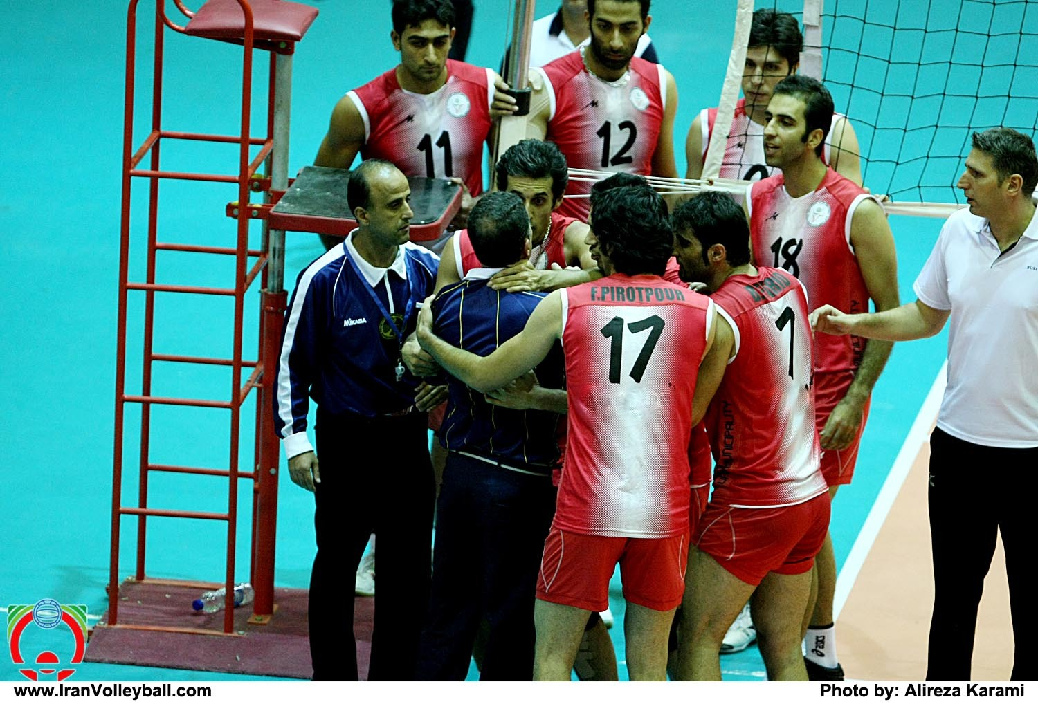 iran-volleyball-fight-4